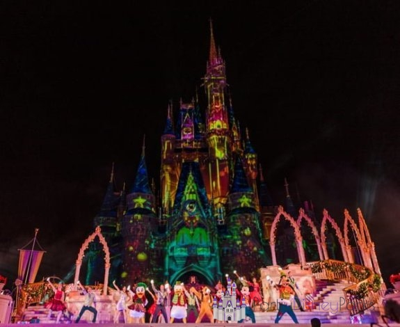 most-merriest-celebration-mickeys-very-merry-christmas-party-walt-disney-world