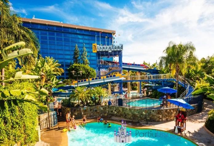 disneyland-hotel-piscina