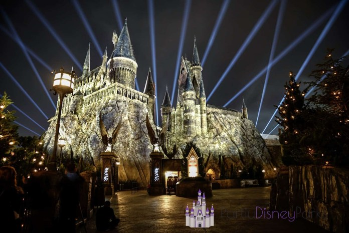 Nighttime-Lights-at-Hogwarts-Castle-at-Islands-of-Adventure