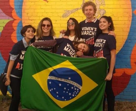 Como funciona o Jovens Embaixadores partiu intercambio carla benfica Womens March em Tulsa