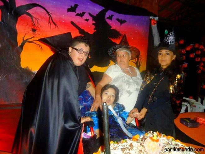 Minha irmã, minha sobrinha, minha vó e minha mamãe