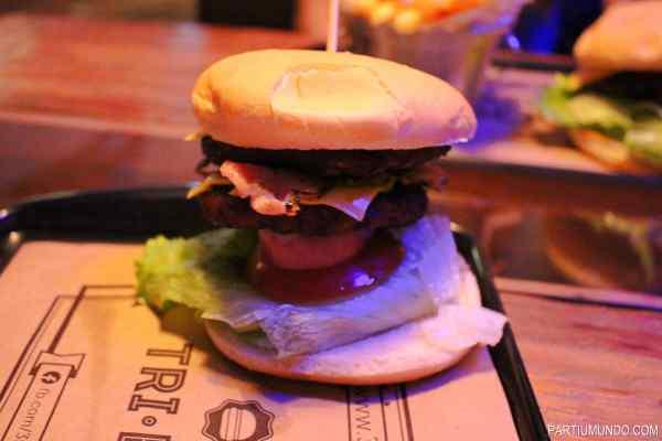 tri burger 1
