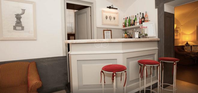 Lobby Bar (via)