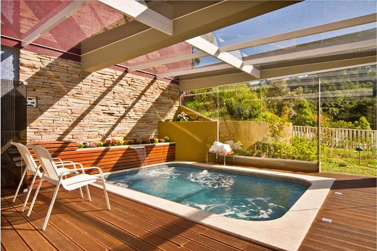 Where to stay in Campos do Jordao - the heated pool