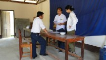 5.3 - Luang Prabang - Phonexay District - Ban Pakvee - Assessment Team discussion