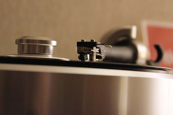 SAT tonearm and Helix 1 by turntable by Döhmann