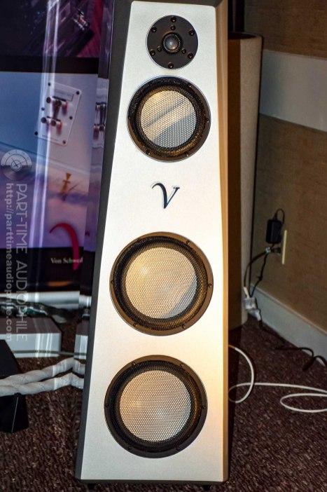 AXPONA-VSA-VAC-0252