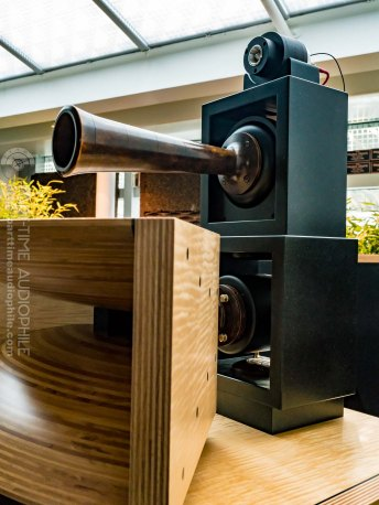 High-End-Living-Voice-01826