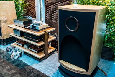High-End-Living-Voice-01832