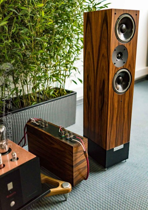 High-End-Living-Voice-01834