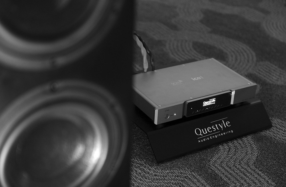 questyle-bw