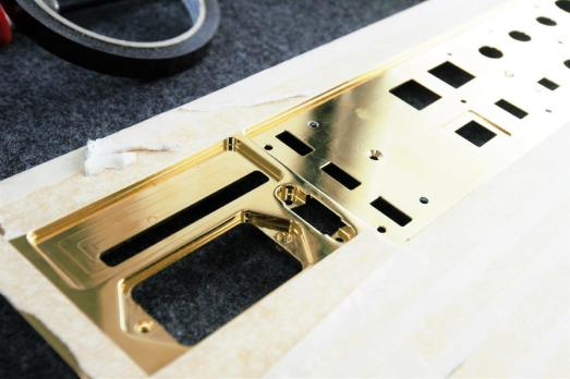 Vivaldi One Gold Back Plate