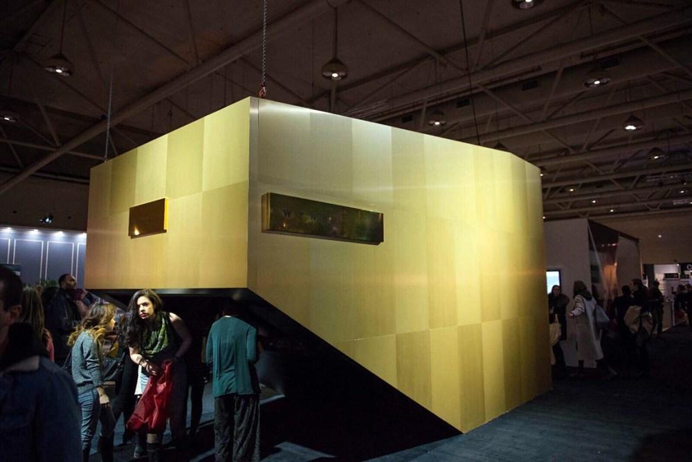 Wynn-Golden-Record-booth