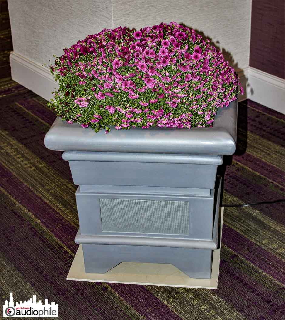 Madison-Fielding-Groove-Tone-caf planter1