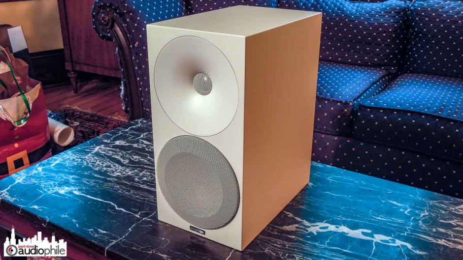 Amphion Argon 3S three quarter view