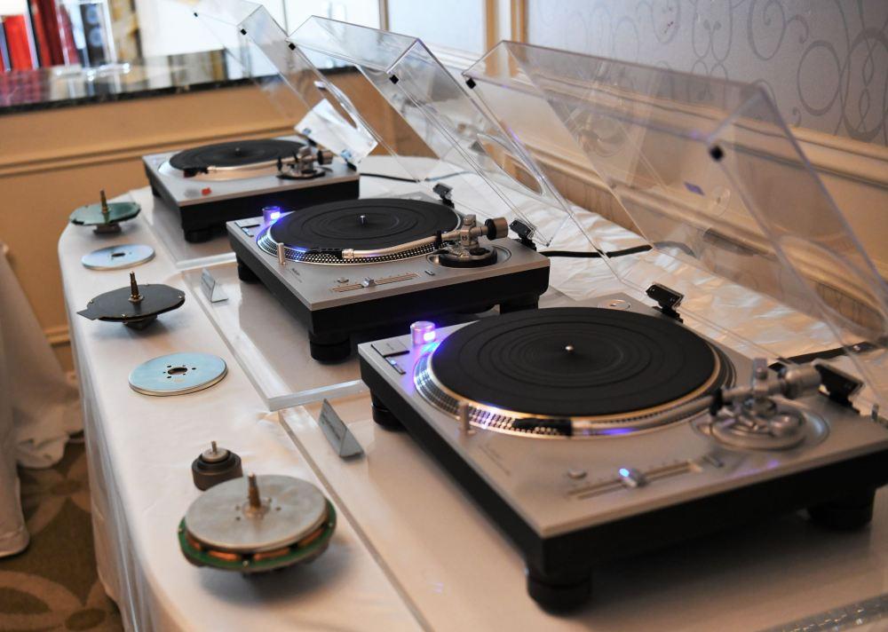 CES 2019: Technics SL-1500 and SL-1200MK7   First Listen