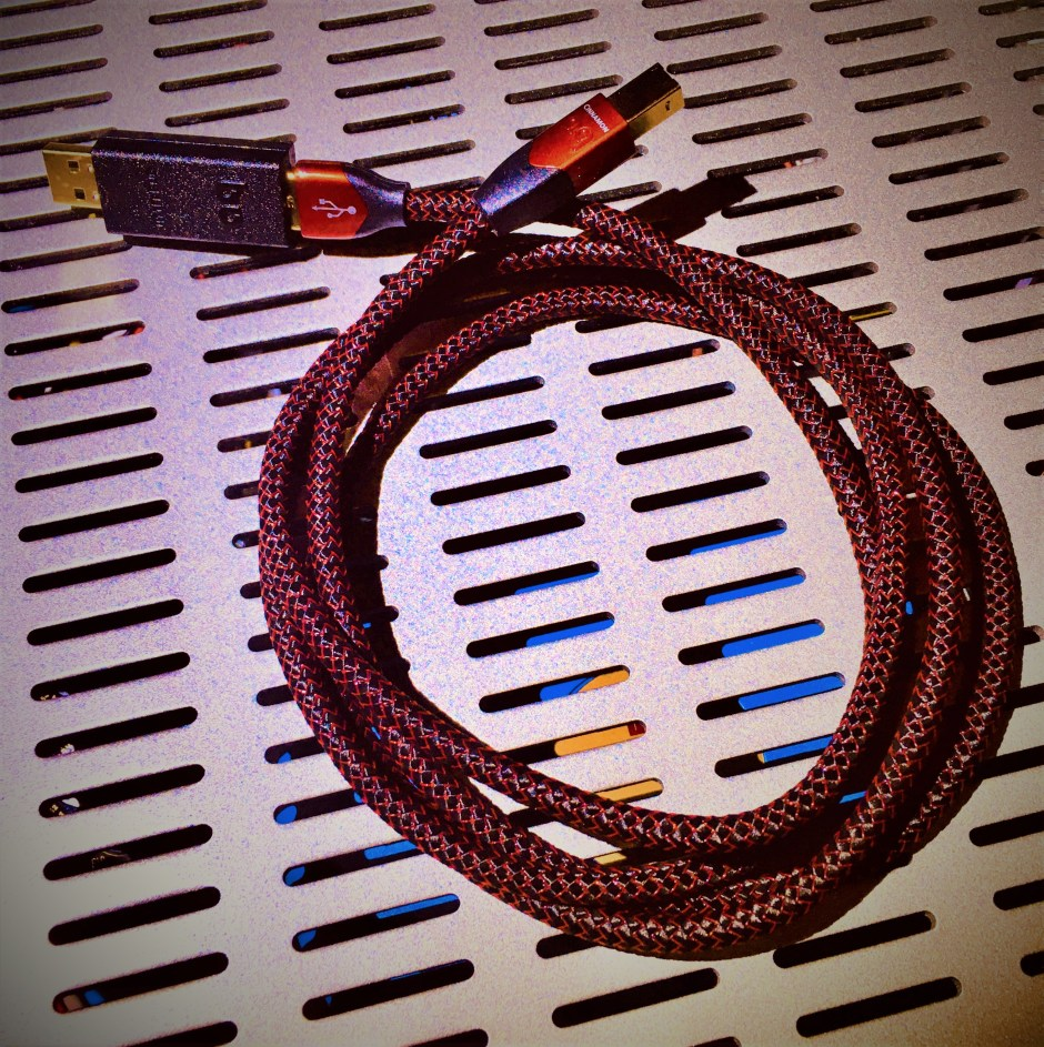 Jitterbug and Cinnamon USB cable from AQ.