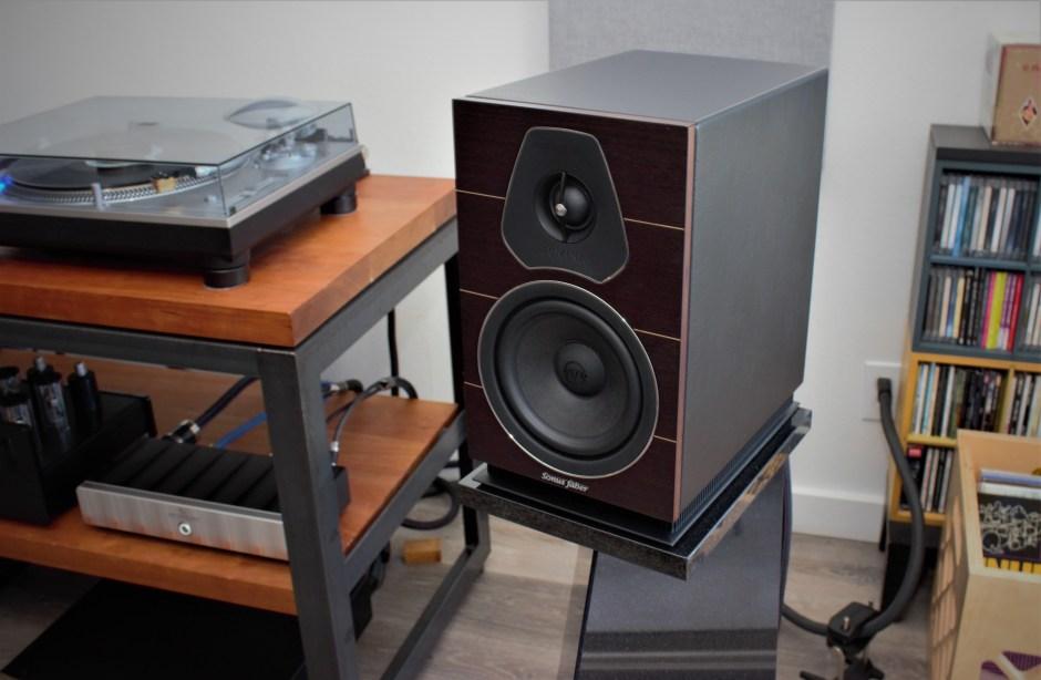 sonus faber lumina II loudspeakers