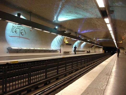 Metro Paris Ligne 4 station Saint Germain des Pres 01