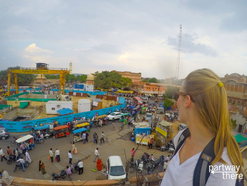 Amanda Plewes looking at the traffic in the streets of Jaipur