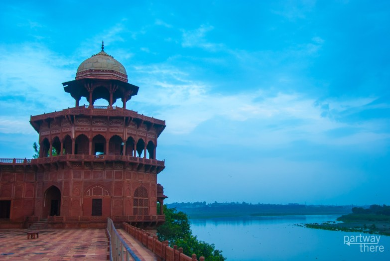 The Taj Mahal Mosque over the river