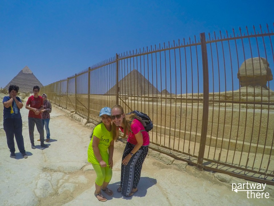 Amanda Plewes with an Egyptian girl at the Pyramids