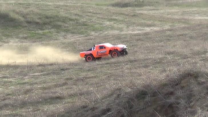 TRAXXAS-Slash-VXL-2WD-Slow-Motion-Action-Video