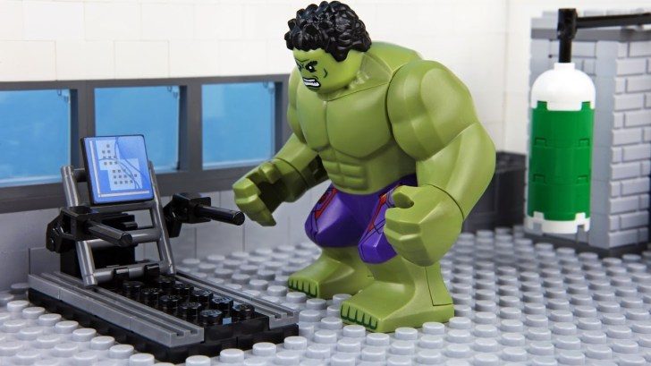 Lego-Hulk-Gym-Fail
