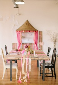 Pink-gold-and-glittery-Valentines-party-ideas-1