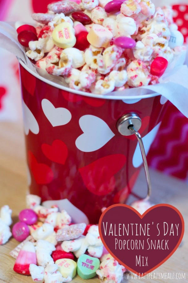 Valentines-Day-Popcorn-Snack-Mix