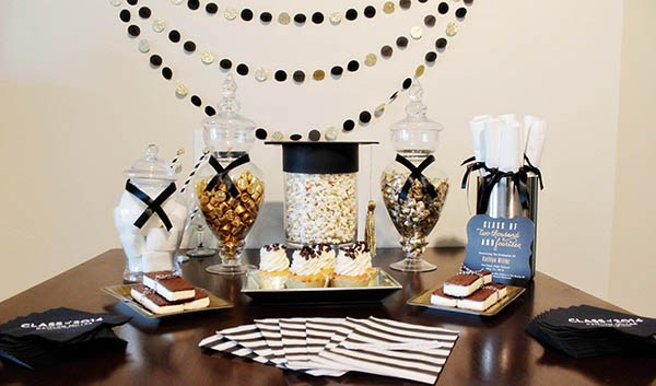 Darling-Black-And-Gold-Grad-Party-B.-Lovely-Events