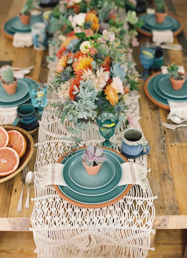 Lovely-Rustic-Cactus-Tablescape