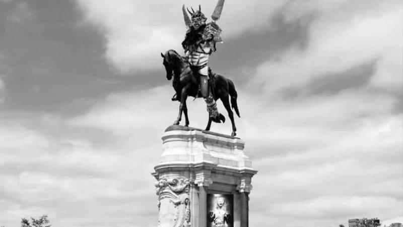Oderus Urungus Statue