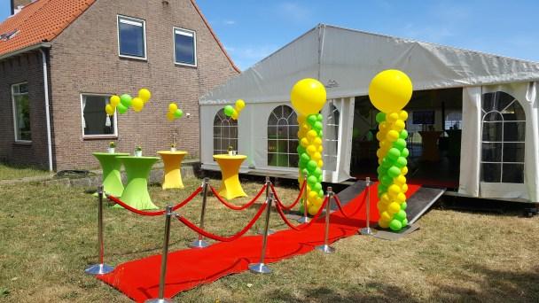 Geel/groen met gele top hoge pilaar