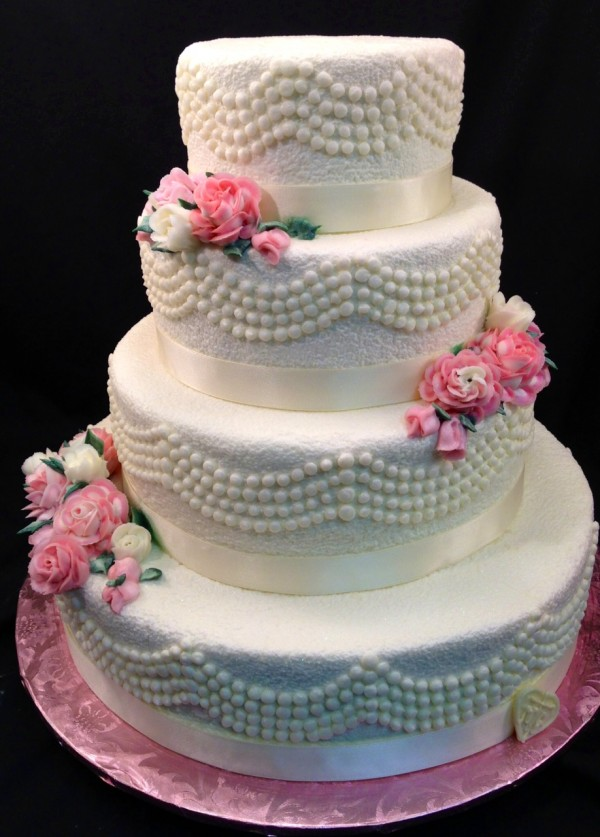 Heat Is A Non Factor With These Summer Wedding Cake Tips