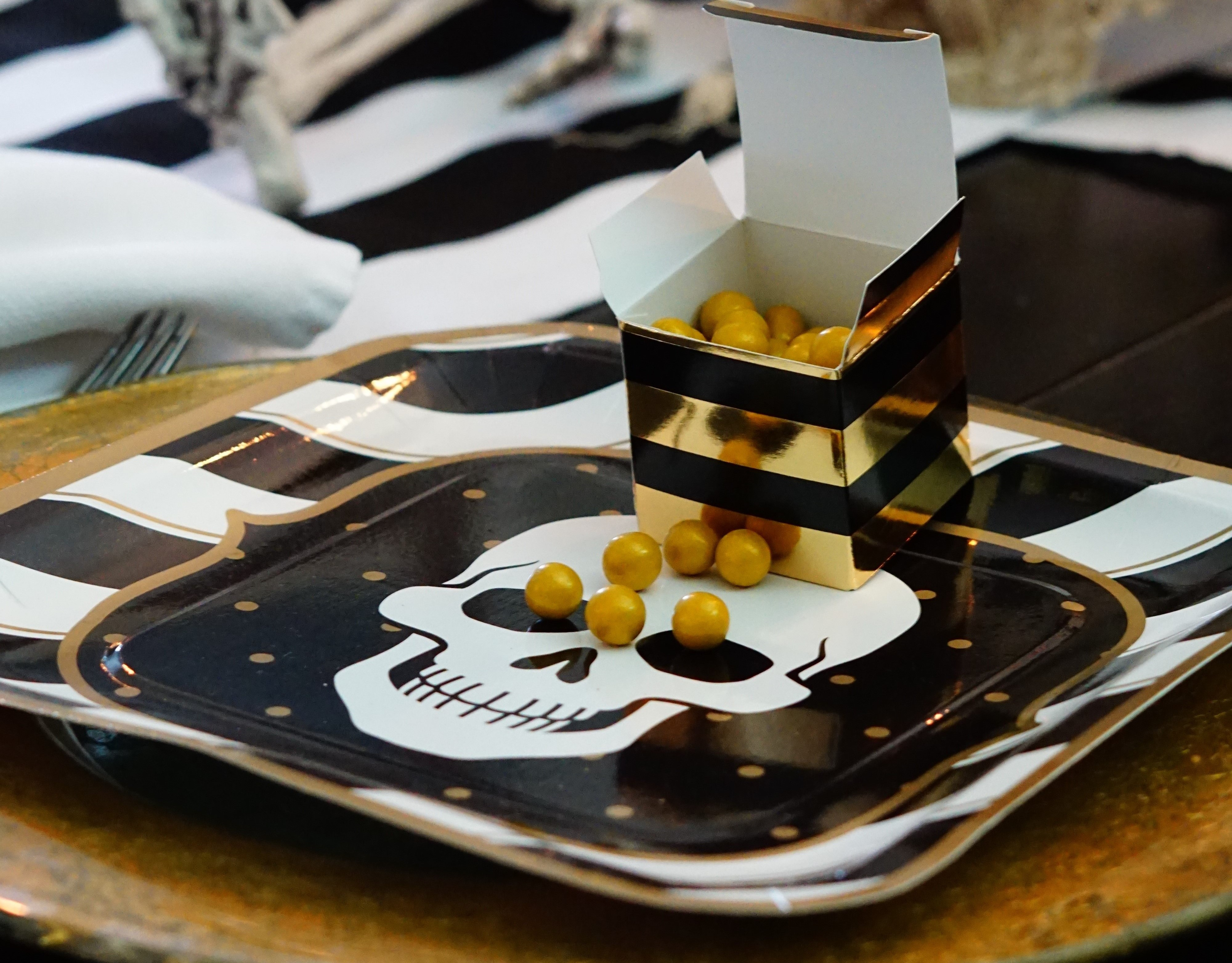 Sophisticated Halloween Dinner Party.How To Throw A Sophisticated Halloween Dinner Party Party