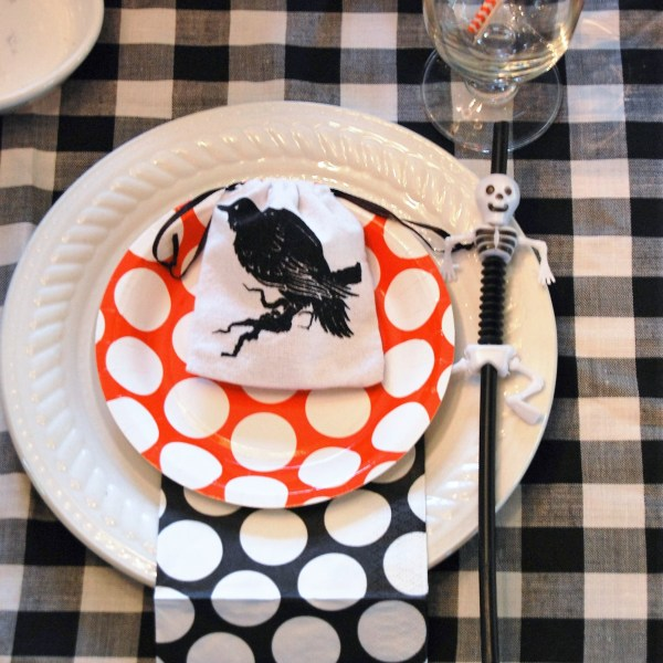How to Set a Kids Halloween Table
