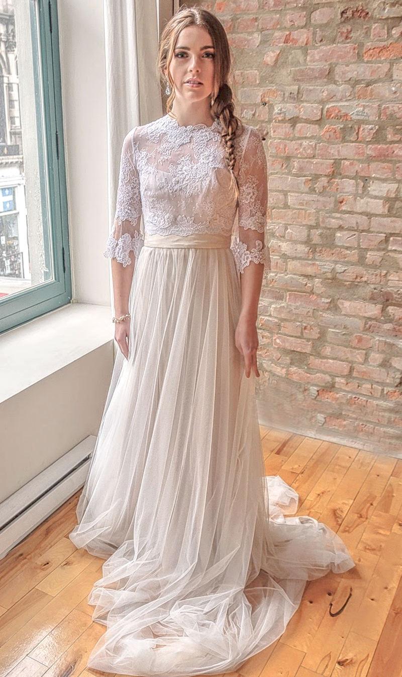 Milena_Stylish Bridal Bolero in Lace with sleeves
