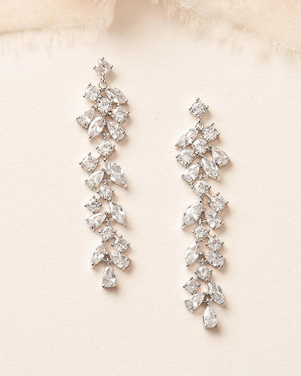 Tia_Silver Chandelier Wedding Bridal Crystal Pendant Earrings