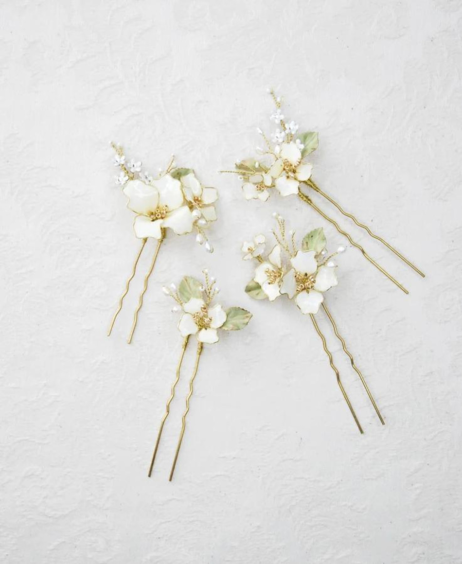 Beatrice_Set of 4 - White apple flower bridal hairpins - Made with hand painted flowers, brass leaves, crystals, beads, and freshwater pearls
