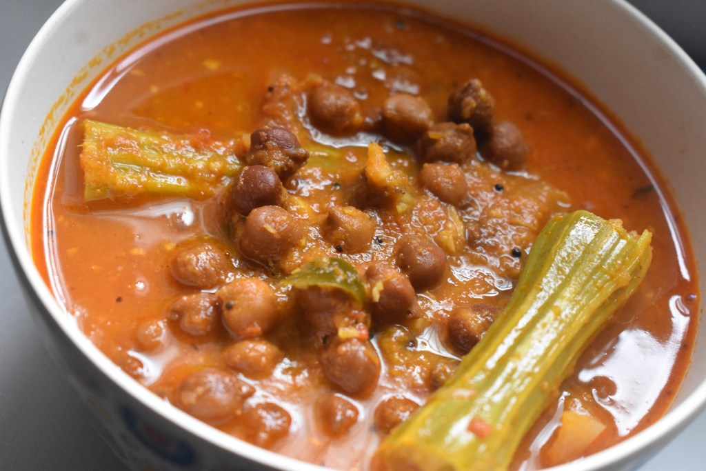 Spicy Chickpeas Drumstick Curry - Parveen's Kitchen