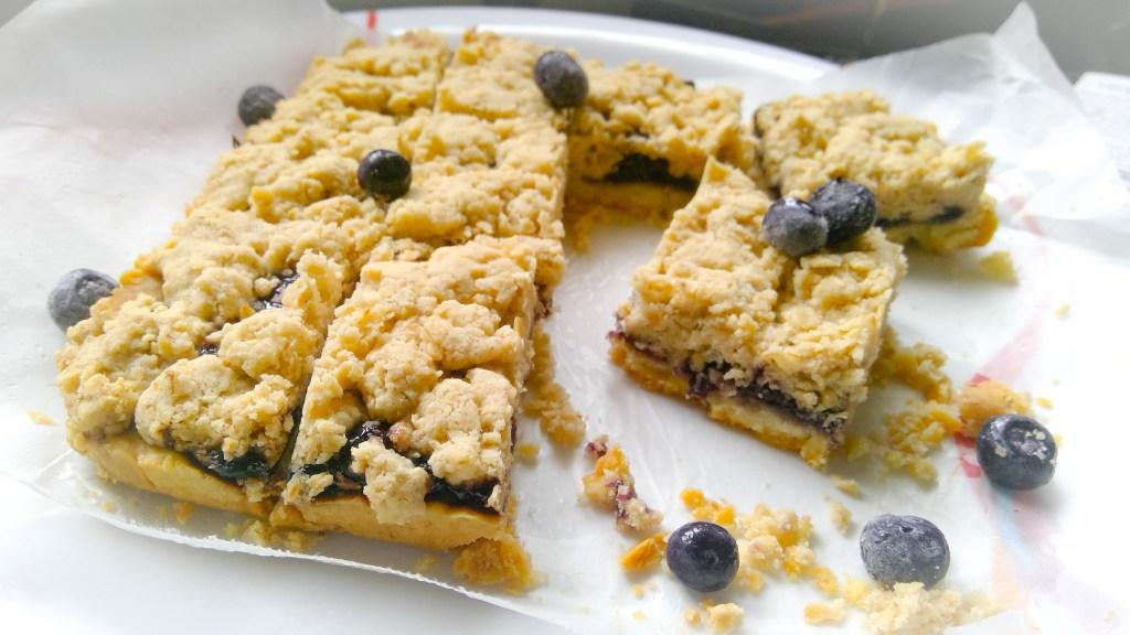 Blueberry Crumble bars - Parveenskitchen.com