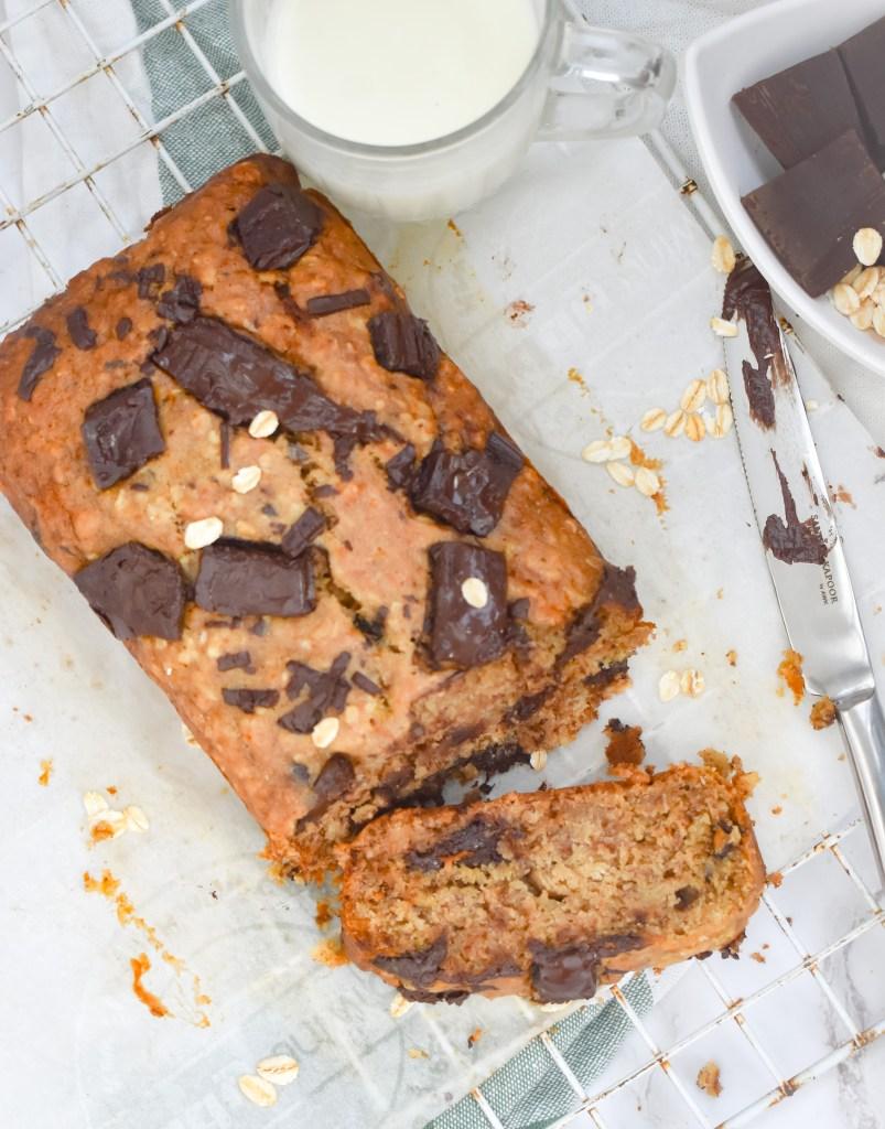 Healthy Chocolate Chunk Oatmeal Banana Bread - Parveenskitchen.com
