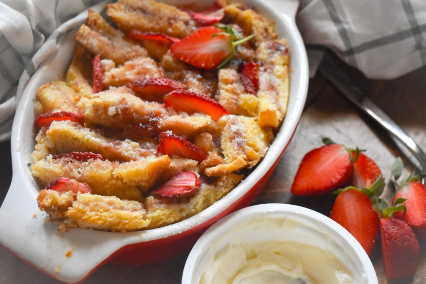Strawberry cheesecake French Toast Bake - Parveen's Kitchen