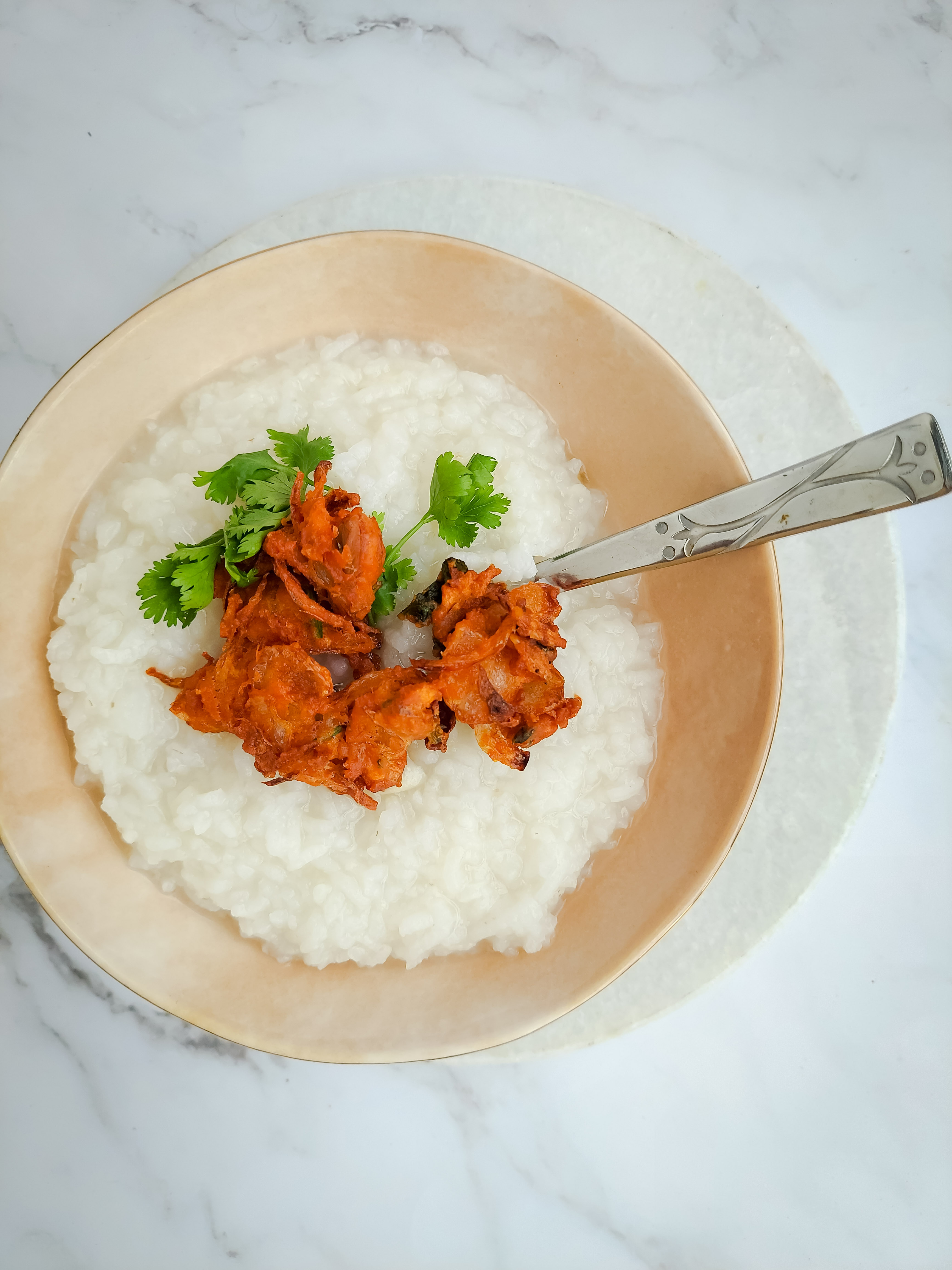 Congee with onion Pakoda- Kanji from leftover rice