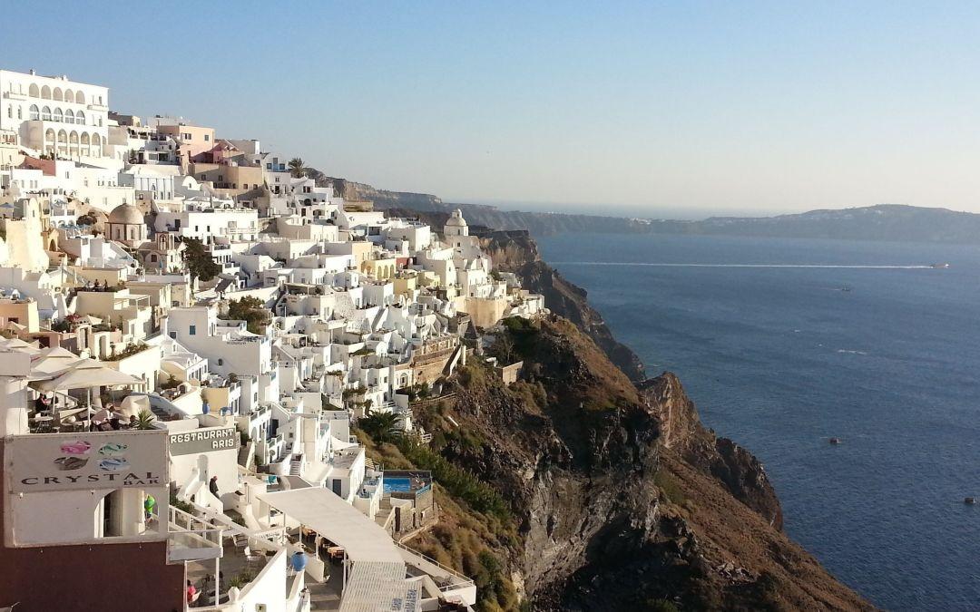 Santorini: 7 maneras de disfrutarla