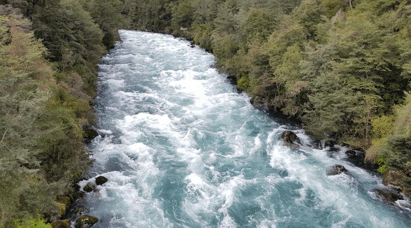 El río Fuy y su impresionante color turquesa es uno de los que da origen a estos impresionantes saltos