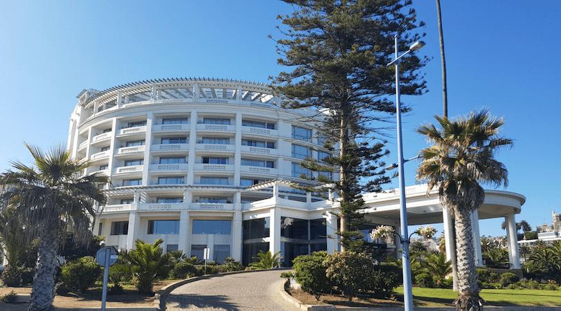 En la parte posterior de Casino verás el hotel Enjoy del Mar