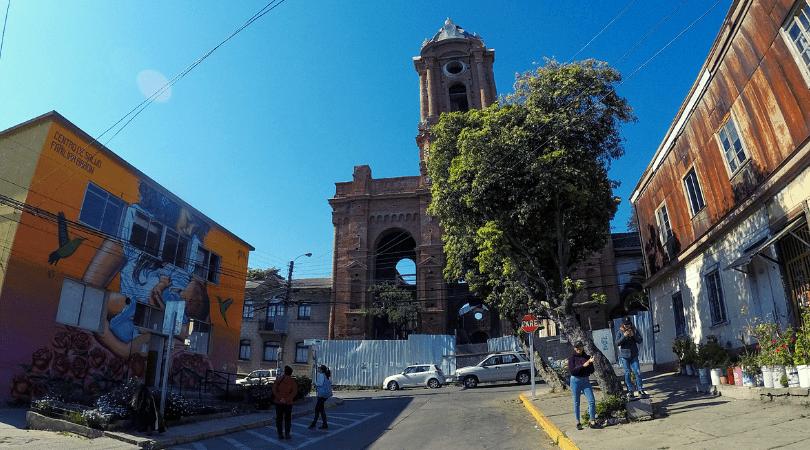 Cerros Barón y Lecheros: ruta emergente de arte urbano en Valparaíso