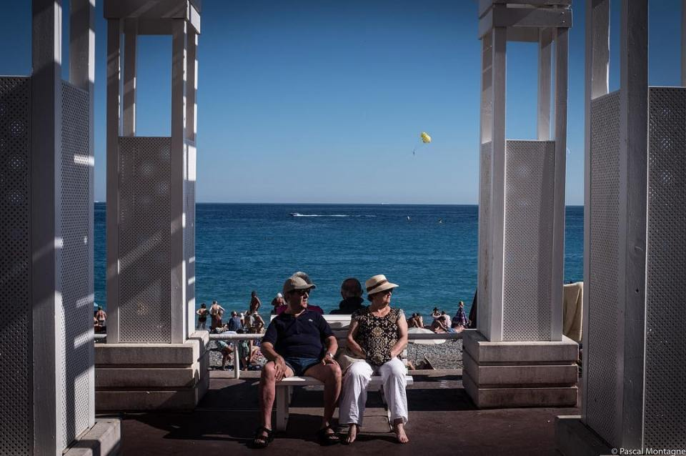The «promenade des anglais» along the Mediterranean shore, in Nice France. Lot of tourists with tacky styles. #travel #nice #mediterranean #sea #shore #cotedazur #bluesky #sky #tourism #france #nice #dailypic #picoftheday #instagood #instalike